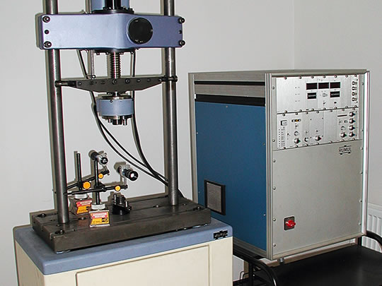 High frequency resonant vibration machine